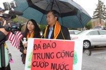 003-2 Cuu Chu Tich Tran De va Co Vuong Ngoc Lan tra loi phong van